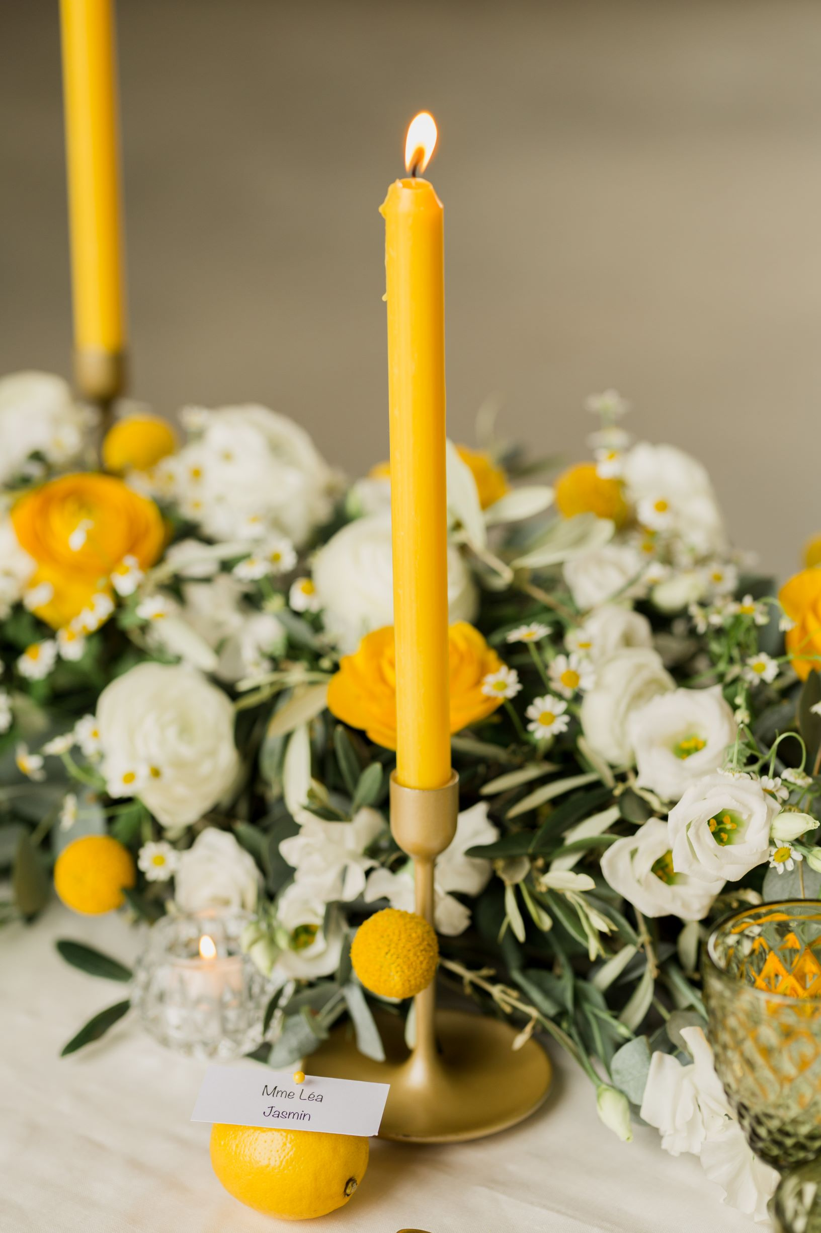 Yellow wedding in Paris